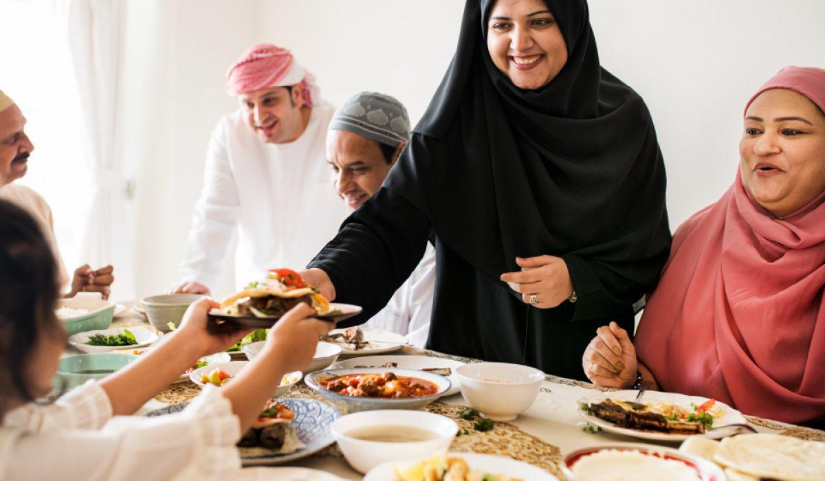 kharismakatering-4 kriteria makanan terbaik jamuan berbuka (1)